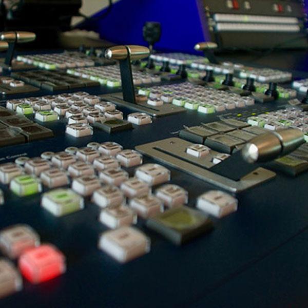 insta_broadcast_mixer_video